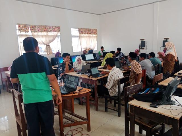 Membangun Ekosistem Sekolah Berbasis TIK