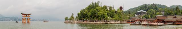 Torii flotante - santuario Itsukushima desde el mar :: Panorámica 16 x Canon EOS5D MkIII | ISO100 | Canon 24-105@58mm | f/14 | 1/80s