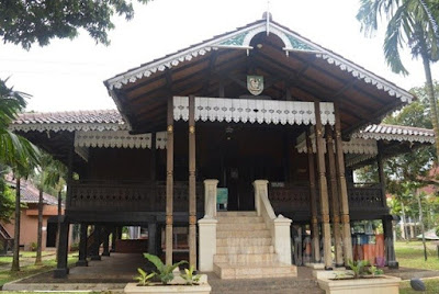 Rumah Adat Provinsi Bengkulu