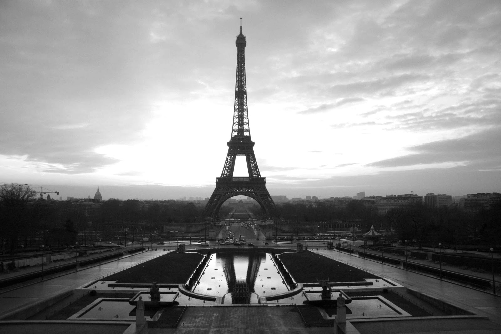 Eiffel Tower Images Black And White