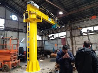yellow jib crane