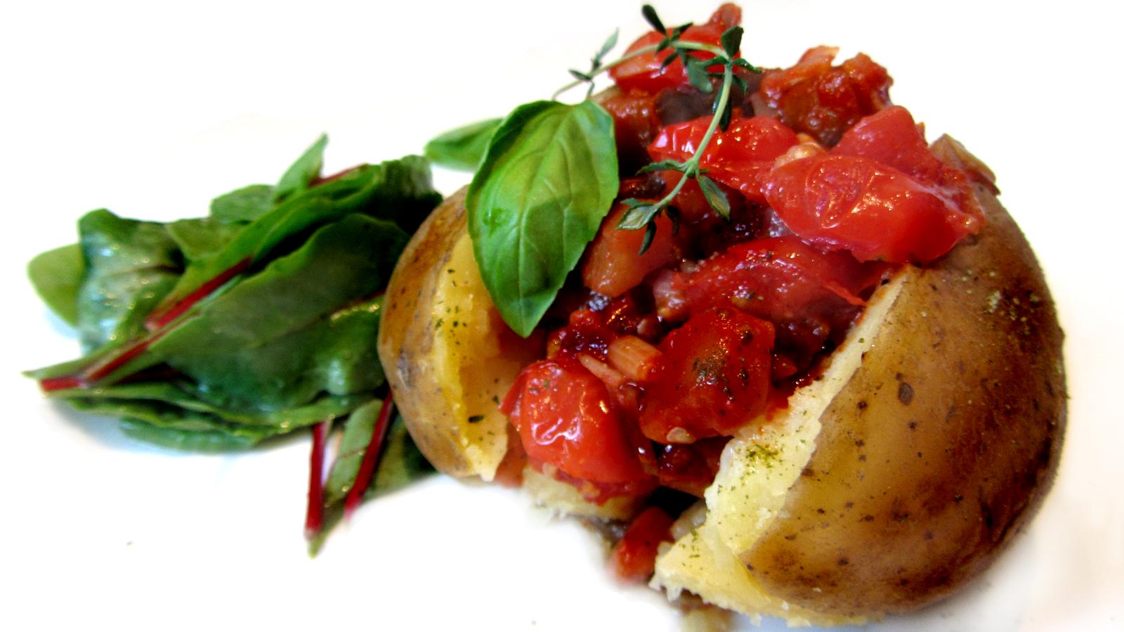 ofenkartoffel mit auberginen tomatenragout fell in love with gemuese vegane rezepte zum. Black Bedroom Furniture Sets. Home Design Ideas
