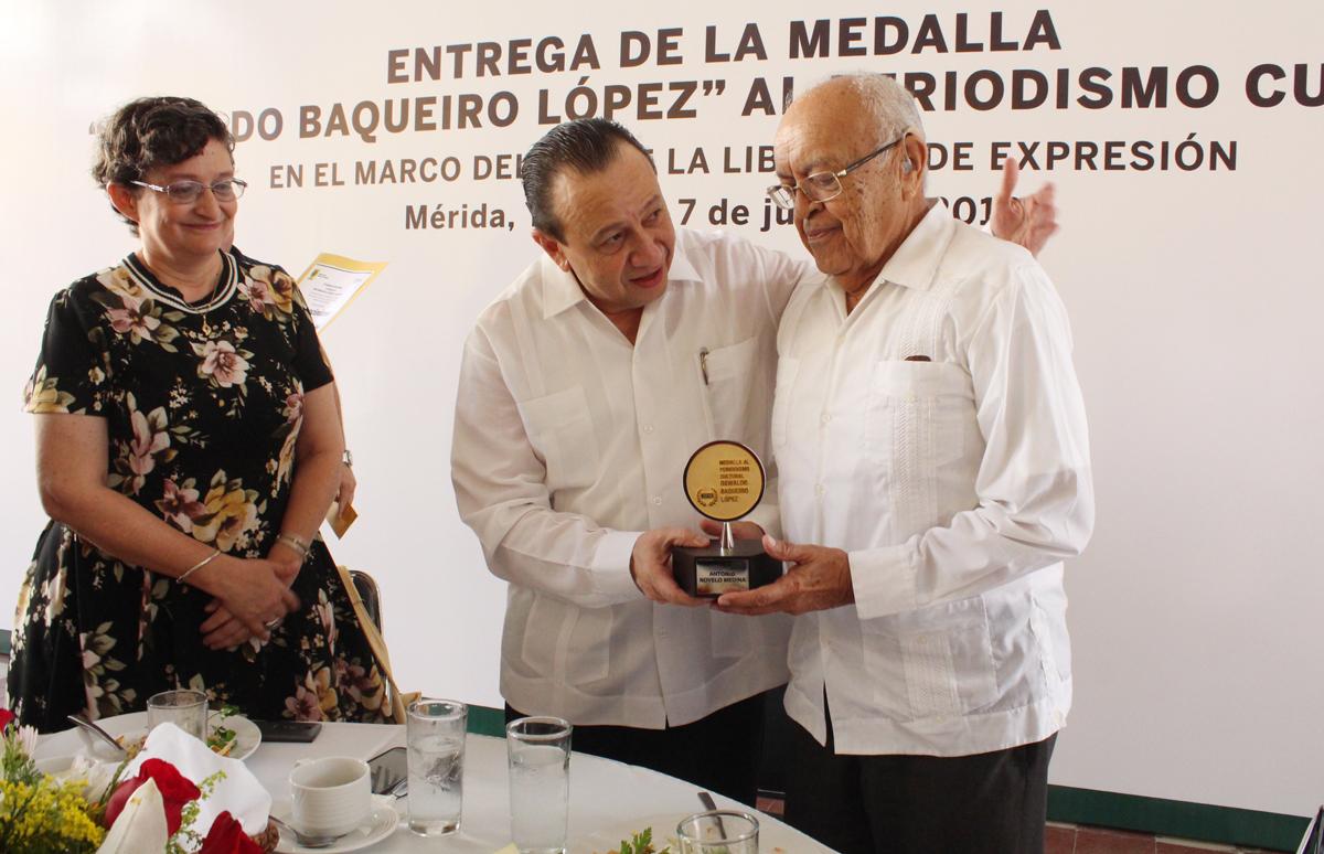 Antonio Novelo Medina recibe la Medalla al Periodismo Cultural 2018 ...