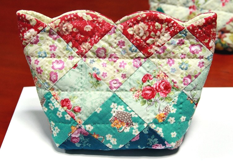 Fast and easy patchwork Sew Together Bag. DIY Tutorial in Pictures.