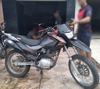 Polícia recupera moto roubada durante ação conjunta entre PMs de Coronel Ezequiel e Jaçanã