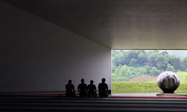Masjid Al Irsyad, Penyesalan Berbuah Masjid Ber-arsitektur Terbaik Asia 2011
