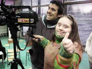 Niños y jóvenes con capacidades diferentes  participan  en talleres de TV en población Parinacota de Quilicura