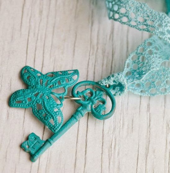 pretty lace key necklace
