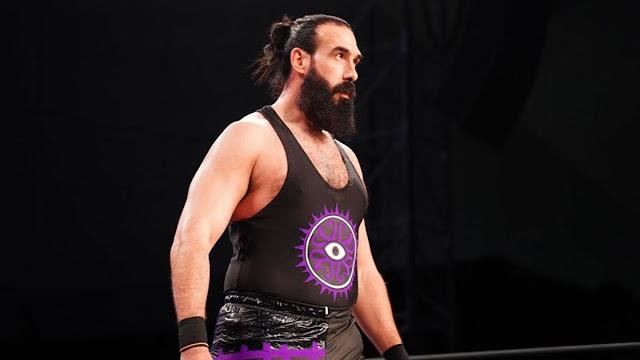 Brodie Lee comenta sobre a vontade da WWE em renovar seu contrato