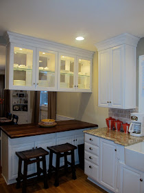Kitchen Peninsula With Overhead Cabinets