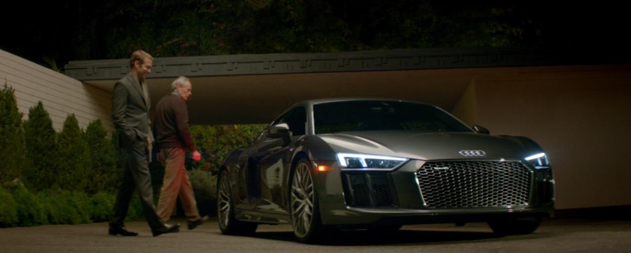 Nova geração do superesportivo R8 V10 alcança a Lua em novo filme da Audi