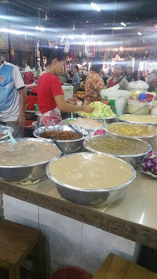 Cambodian (Khmer) Food - at the market and roadside