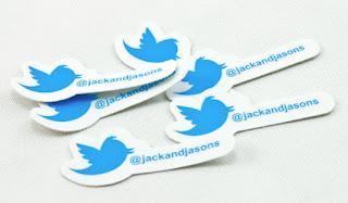 twitter tambien tendra stickers podras agregarle emoticones a tus imagenes