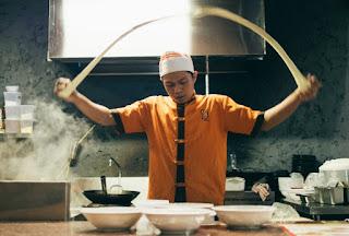 Fliegende Nudeln sind ein Foodtrend aus Asien