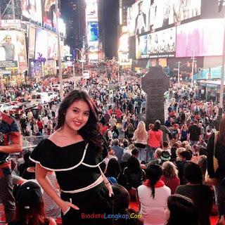 Nabilah jkt48, foto terbaru Nabilah jkt48, instagram Nabilah jkt48, pacar Nabilah jkt48, tinggi badan Nabilah jkt48, kesukaan Nabilah jkt48,