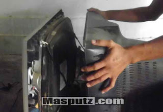 membongkar casis tv