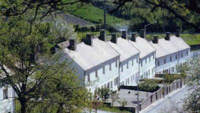 maisons-en-alignementd-une-cite-ouvriere-la-combe-des-mineurs-1826.jpg