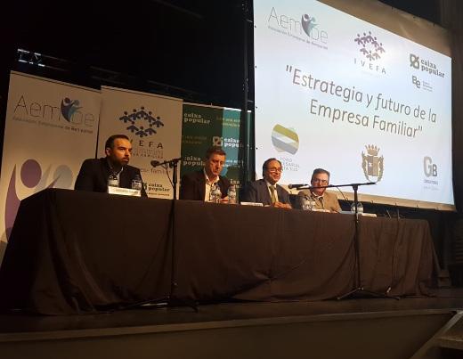 'Las empresas familiares tienen un papel fundamental en la transformación y mejora del modelo económico valenciano', según Soler