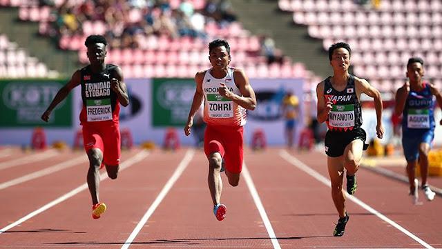Lalu Muhammad Zohri (kedua dari kiri) duel dengan pelari Trinidad dan Tobago dan Jepang