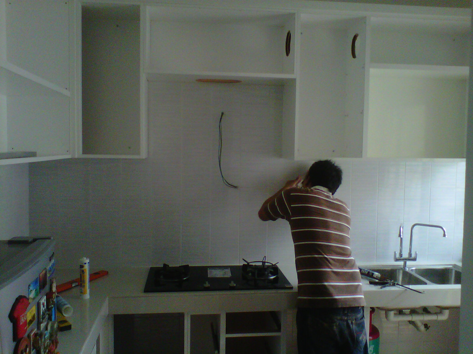 Susah Nak Amik Gamba Full Sebab Dapur Saye Kecik So Memang Kne Snap Separuh2 Yang Wayar Berjuntai Tuh Belum Pasang Hood