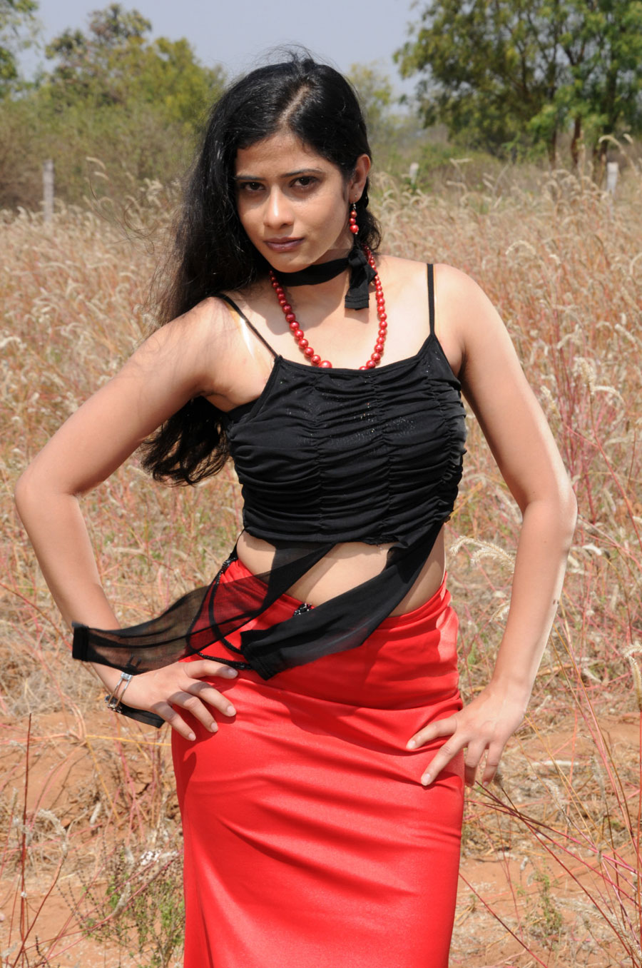 Love life movie heroine kashmira photos stills gallery
