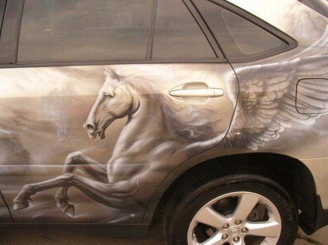 Pegaso pintado en auto con aerografo