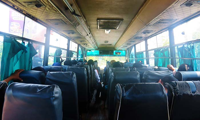Naik Bus ke Solo