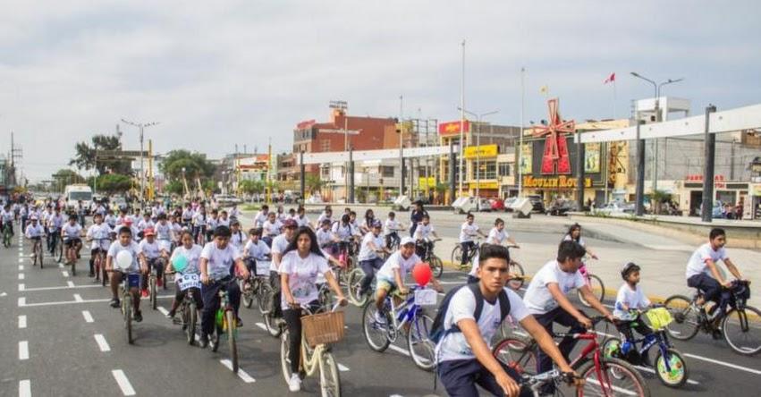 Escolares de Chimbote participan de bicicletada en el Día Mundial del Medio Ambiente