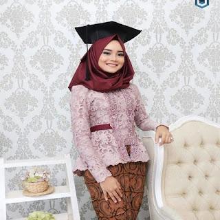 Model Kebaya Wisuda Berjilbab 2018