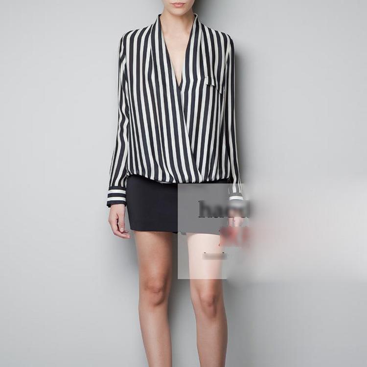 9194aecf New sara stripe v neck top. S : shoulder 35 bust 90 sleeve 55 length front  54 length back 65. M : shoulder 36 bust 94 sleeve 56 length front 55 length  back ...