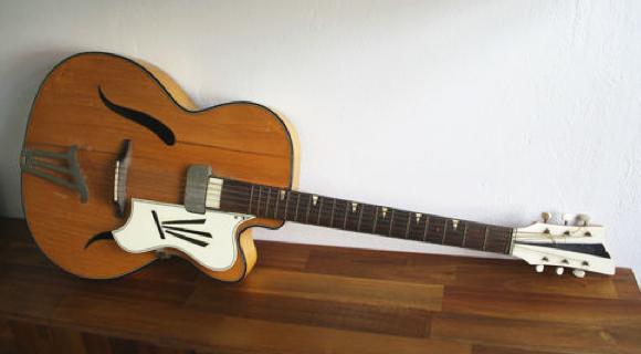 guitar blog arnold hoyer esquire 19a. Black Bedroom Furniture Sets. Home Design Ideas