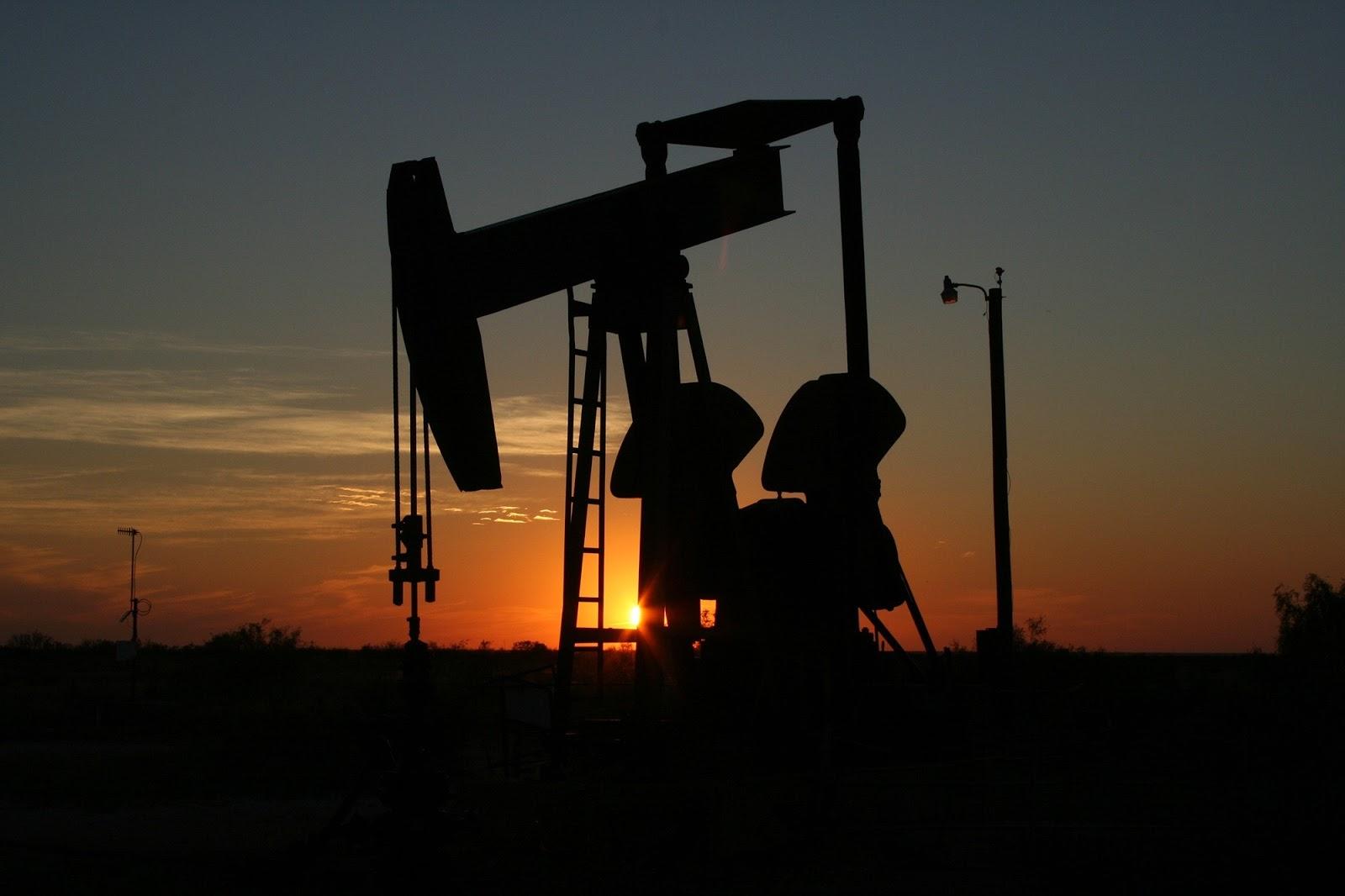 trading minyak