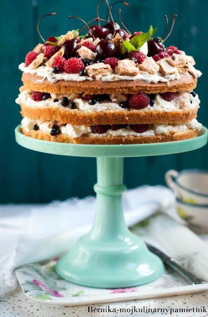 sponge cake, biszkopt, owoce, eaton mess, angielski blagan, ciasto, deser, bernika, kulinarny pamietnik