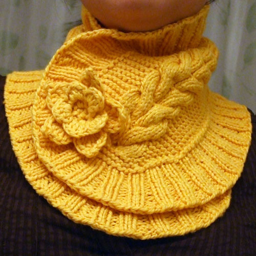 Elegant Neck Warmer - Free Pattern