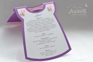 Interiorul meniului rochita cu textul personalizat al meniului