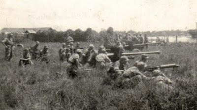 Komando Sekutu Asia Tenggara di Singapura mengutus tujuh perwira Inggris di bawah pimpina Gevedu:  Pertempuran Ambarawa