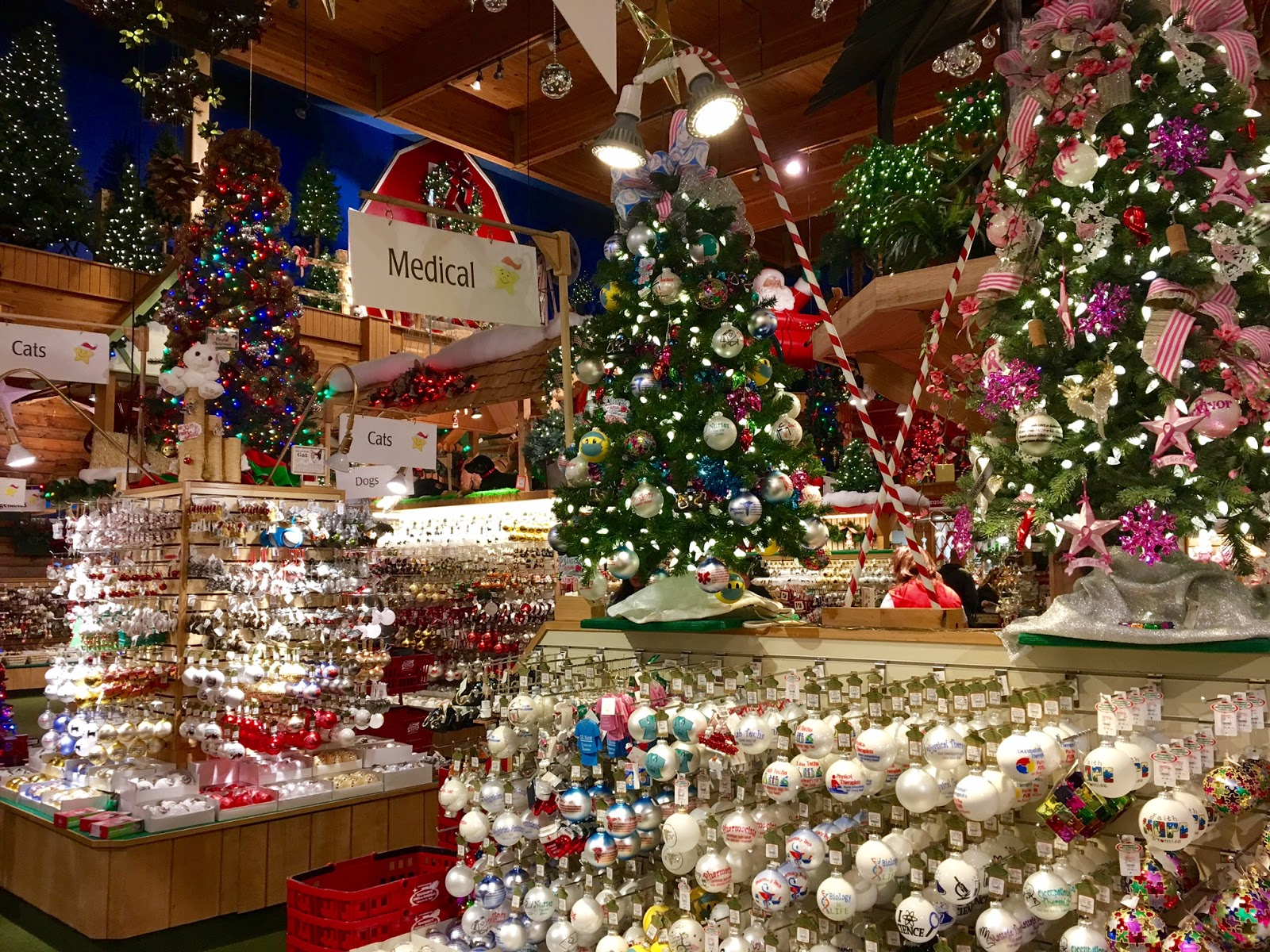 how large is the largest christmas store in the world are you even ready for this the entire lot of bronners christmas wonderland is a whopping 27 acres - Largest Christmas Store
