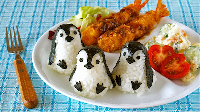 How to make baby penguin onigiri rice balls one plate lunch you can make the most cutest baby penguin shaped rice balls using this mold set i think it is available overseas too forumfinder Gallery