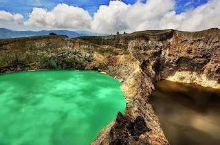 Danau Kelimutu
