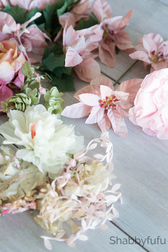 how to make fake flower napkin rings in 5 minutes