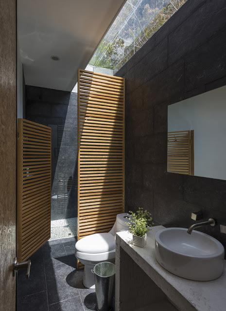 kamar mandi rumah minimalis modern 2 lantai sederhana