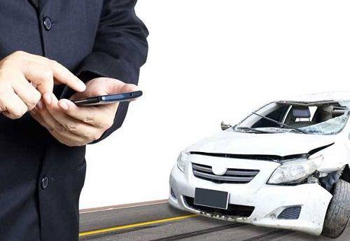 Tips Memperlakukan Korban Mobil Tabrakan