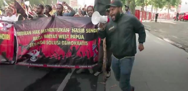 Mahasiswa Papua Demo Bawa Bendera Separatis OPM, Pemuda Pancasila Bereaksi