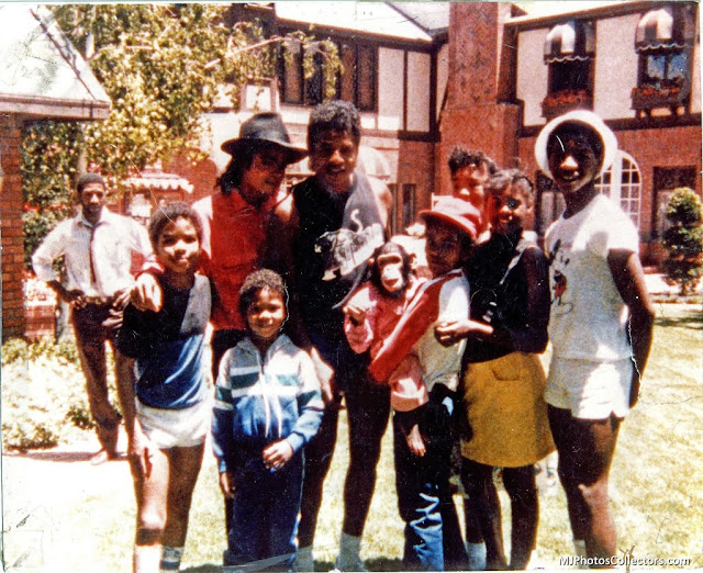 Michael Jackson, Jackie Jackson, Bubbles, and family at Hayvenhurst