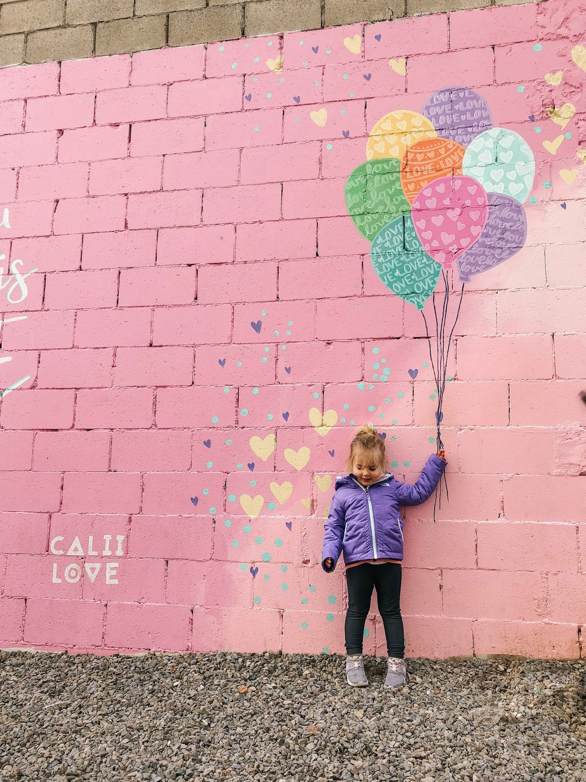 Calii Love balloon mural