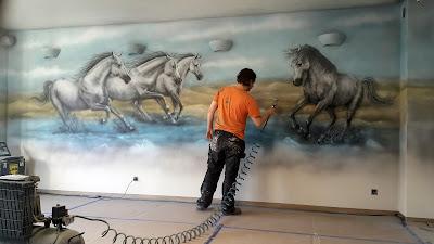 Malarstwo ścienne, malowanie obrazów na scianach, artystyczne malowanie ścian, malowanie rysunków na ścianach w salonach