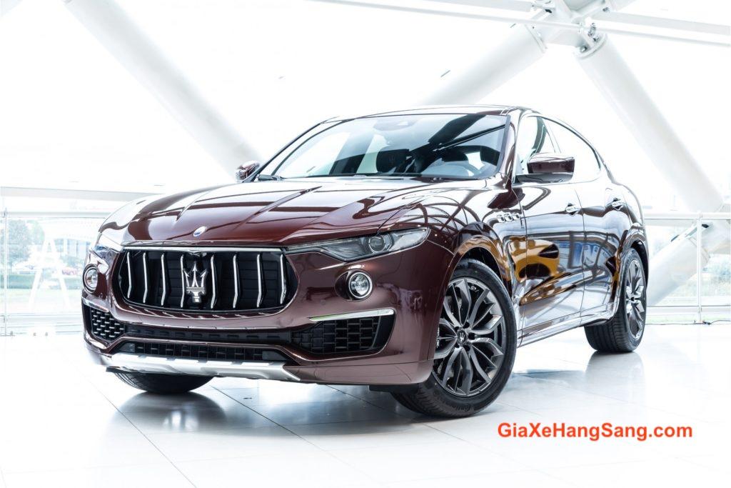Hình Ảnh Xe Maserati Levante SUV 5 Chỗ Gầm Cao Màu Đỏ Model 2020.