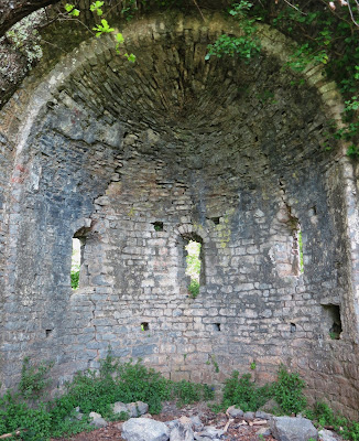 Vaulted apse of San Lorenzo di Caprione