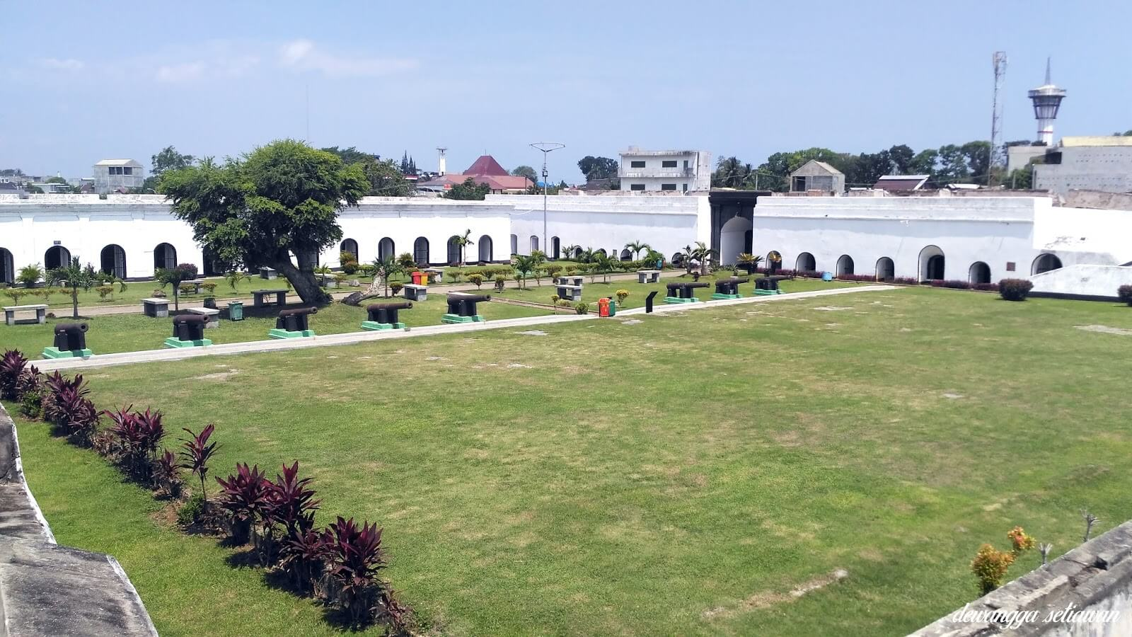 halaman fort marlborough