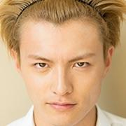 Koji Kominami sebagai Atsushi Toma